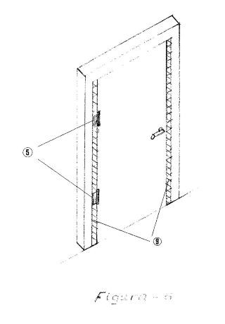 Puerta de bisagra con protección para los dedos de la mano.