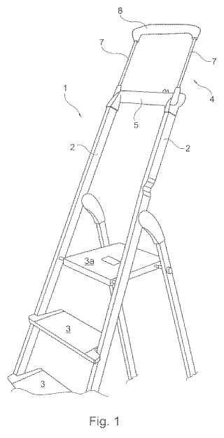 Escalera móvil con una brida de fijación regulable en la altura.