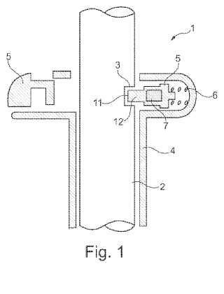 Dispositivo para impedir el deslizamiento de una varilla metálica para la fijación de un reposacabezas a un respaldo de asiento de vehículo a motor.