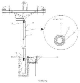 Poste de distribución de energía eléctrica con sistema de puesta a tierra incorporado.