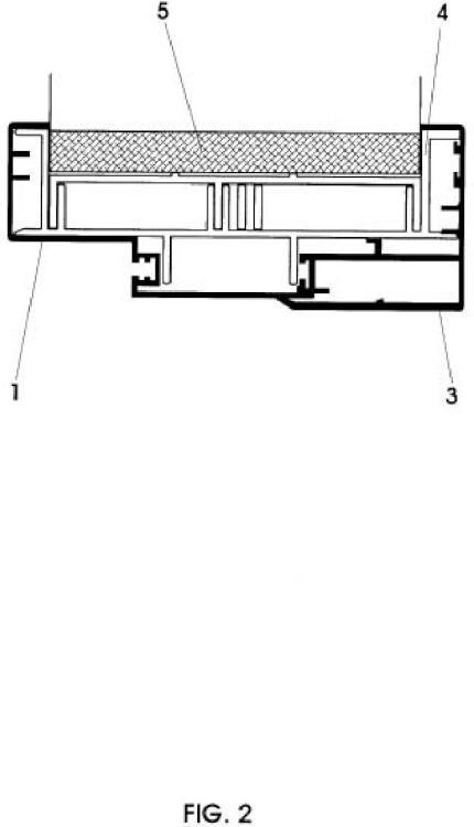 Cerco metálico de cerramientos en edificios de marco regulable en grosor para su fijación al paramento.