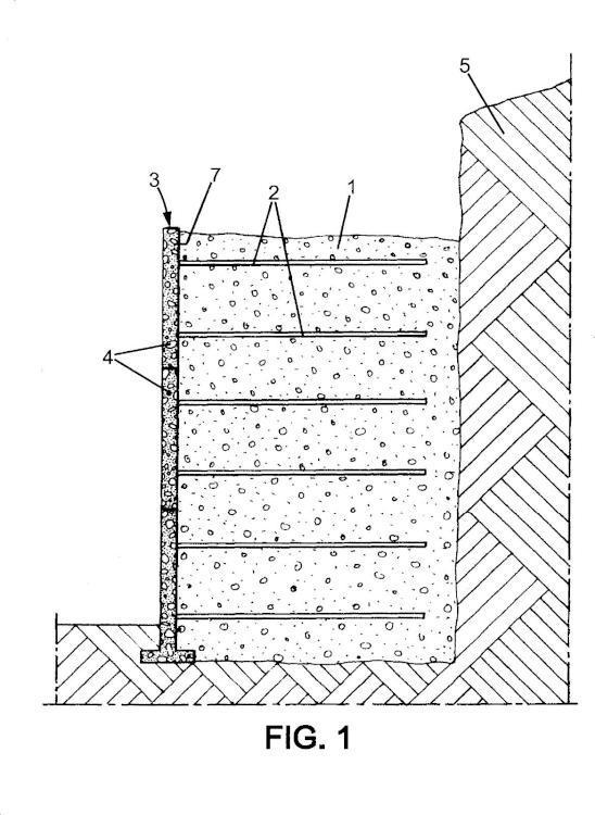 Procedimiento de modificación de una construcción de terreno reforzado.