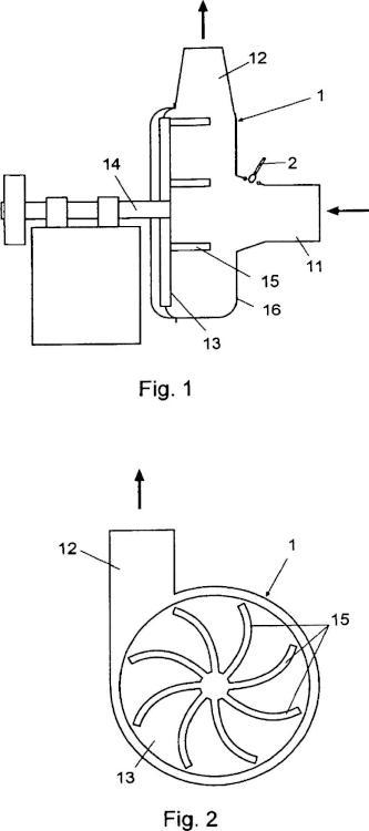 Proceso e instalación para el tratamiento continuo de materiales fibrosos sólidos a granel.