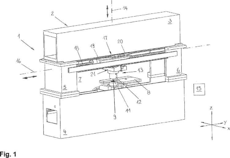 Máquina herramienta en forma de prensa para el tratamiento de piezas de trabajo, especialmente de hojas de metal.