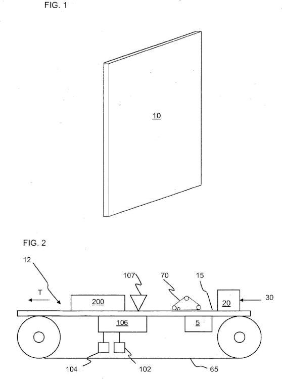 Proceso de fabricación de un panel acústico de baja densidad con absorción de sonido mejorada.
