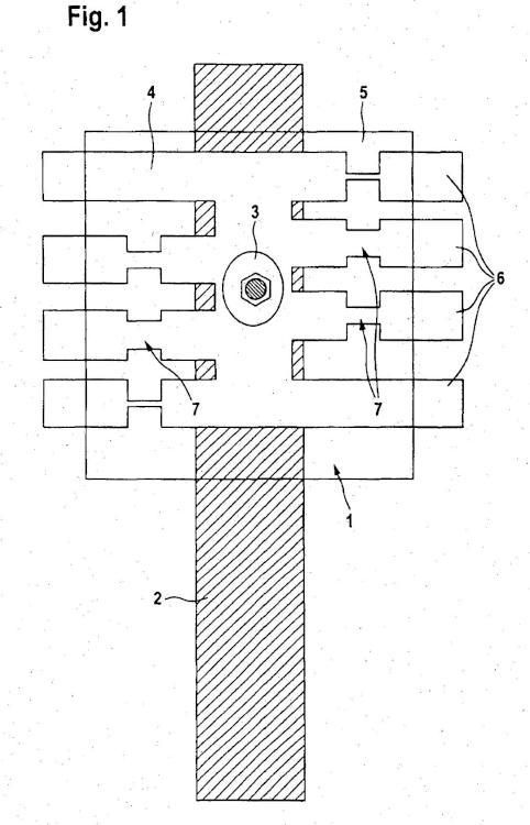 Disposición para la distribución de corriente así como la puesta en contacto y la protección de las líneas que salen de la misma.