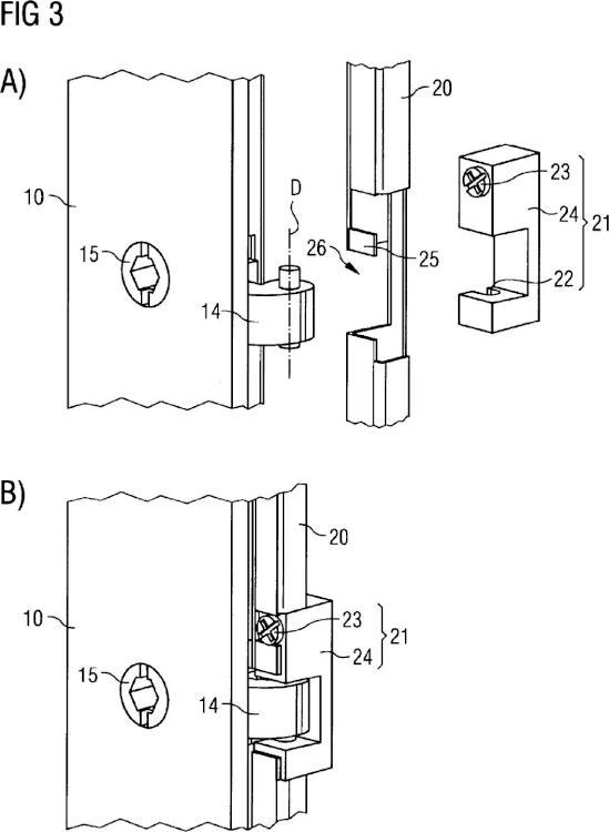 Configuración para la unión abatible de una primera parte de carcasa con una segunda parte de carcasa de un armario distribuidor y armario distribuidor.