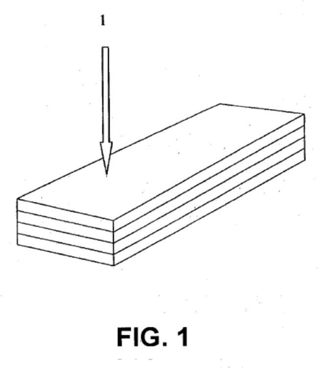 Plancha laminar prensada que comprende un colchón reticular de raíces y un adhesivo, procedimiento para la obtención de dicha plancha laminar y su uso en un contrachapado.