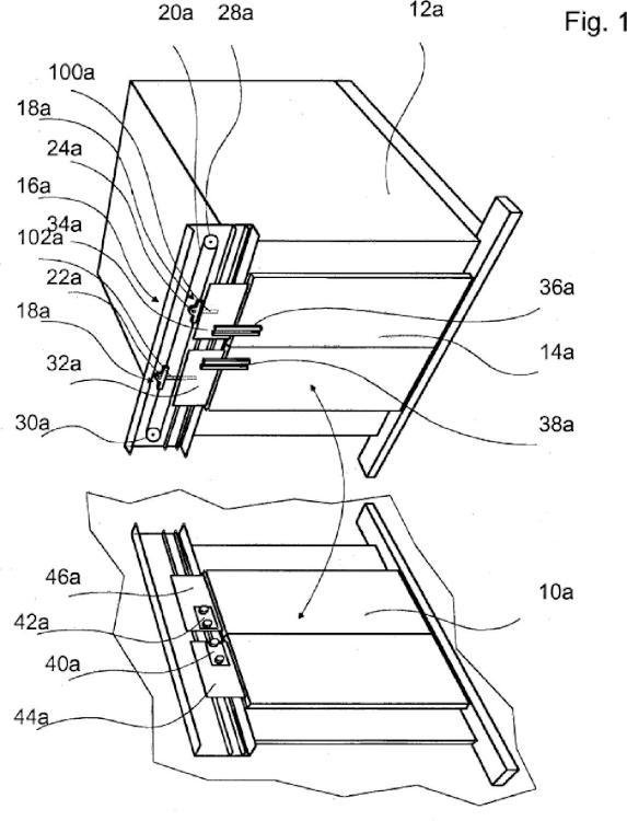 Sistema de acoplamiento de un accionamiento de puerta de cabina de ascensor.