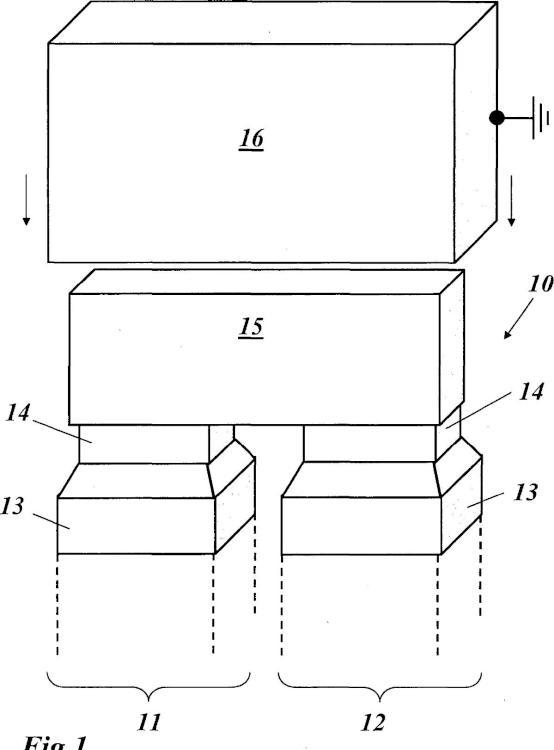 Cubierta de aislamiento para cabezal de enrollamiento de una máquina eléctrica que trabaja con alta tensión así como máquinas con tal cubierta de aislamiento para cabezal.