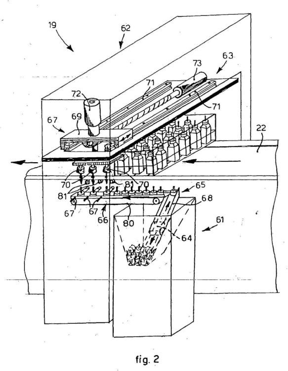 Máquina y procedimiento de tratamiento de recipientes de líquidos, y dispositivo de carga para dichos recipientes.