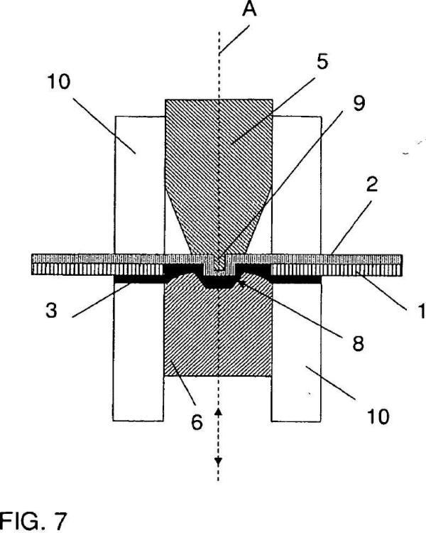 Conjunto de material híbrido y un procedimiento y un dispositivo para su fabricación.
