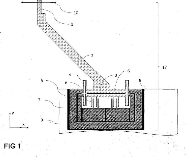 Sensor de fuerza de MEMS capacitivo de orden inferior a milinewton para someter a ensayo mecánico en un microscopio.