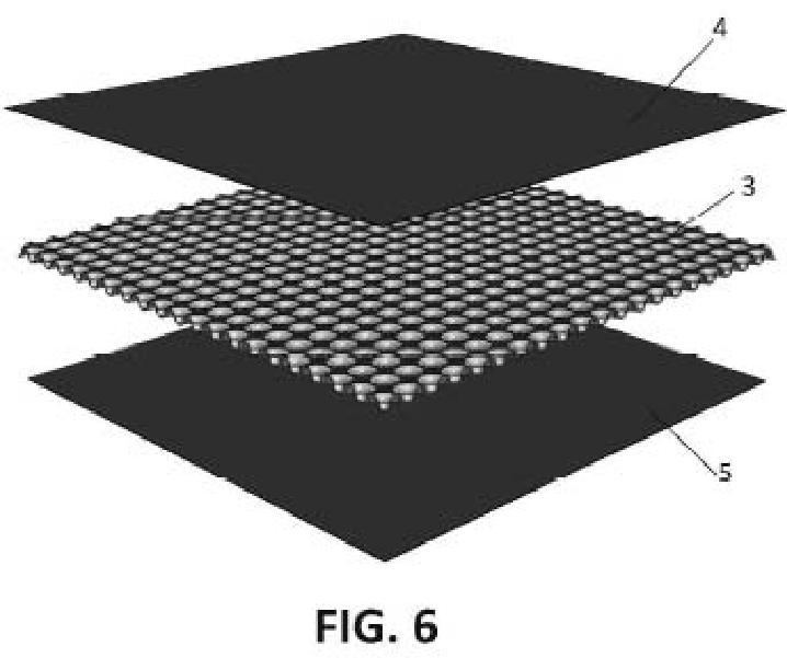 Panel de suelo fabricado en material termoplástico.