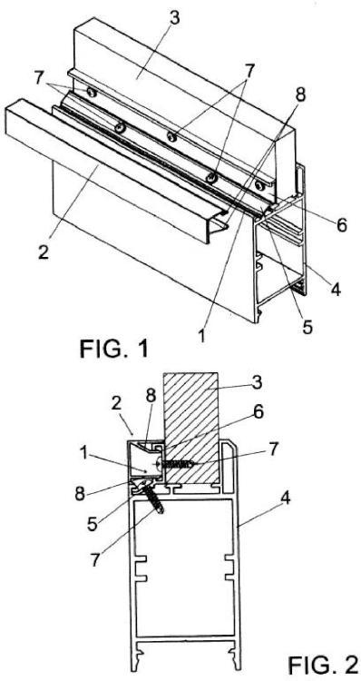 Dispositivo de fijación para carpintería de aluminio.