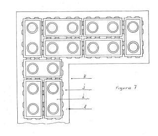 Ladrillo base para cimentación y colocación de ladrillos con sistema de encastrado.