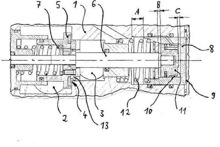Disposición de válvulas controlada por piloto, conmutable en varias etapas.