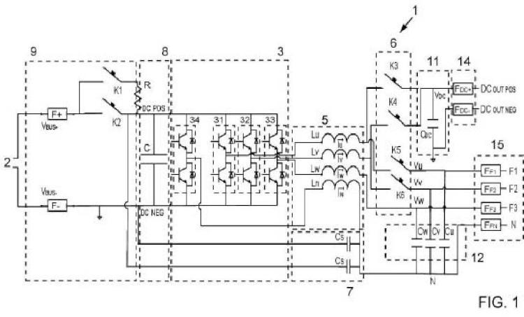 Equipo híbrido de conversión para recarga de vehículos eléctricos y procedimiento de carga asociado.
