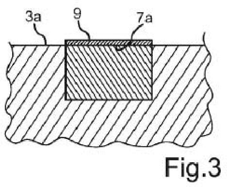 Método para producir un componente de aparato doméstico con una marcación en un vaciado, y componente de aparato doméstico.