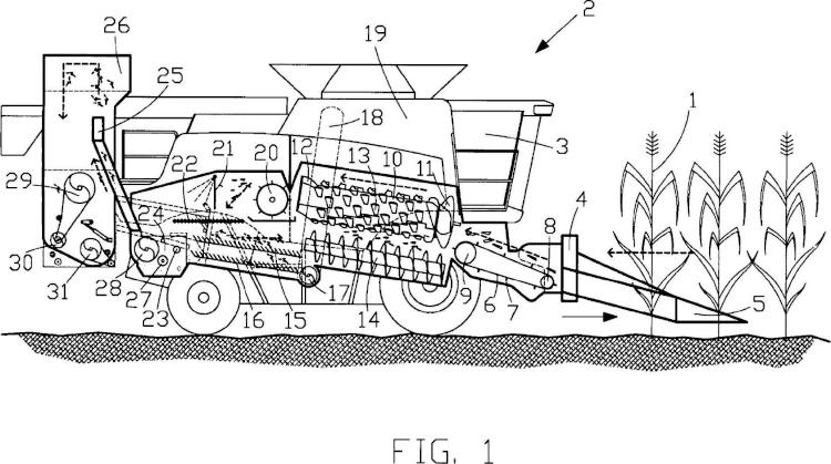 Cosechadora-segadora con una trituradora para mazorcas de maíz y transporte neumático de las astillas o virutas.