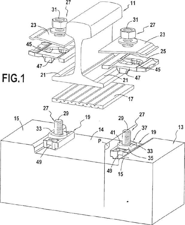 Dispositivo de fijación de raíl sobre un soporte de vía.
