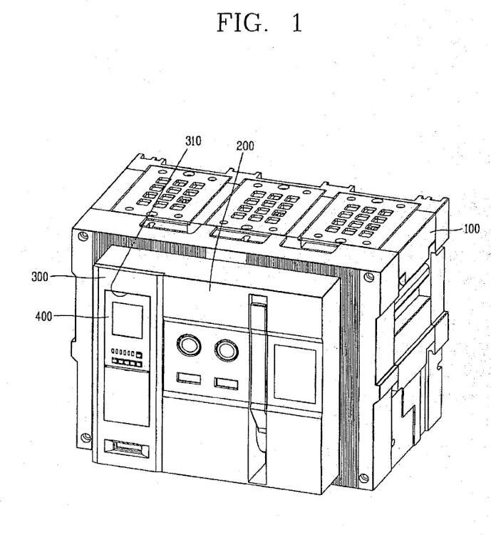 Disyuntor al aire con una estructura separable sencilla para el relé de sobrecorriente.