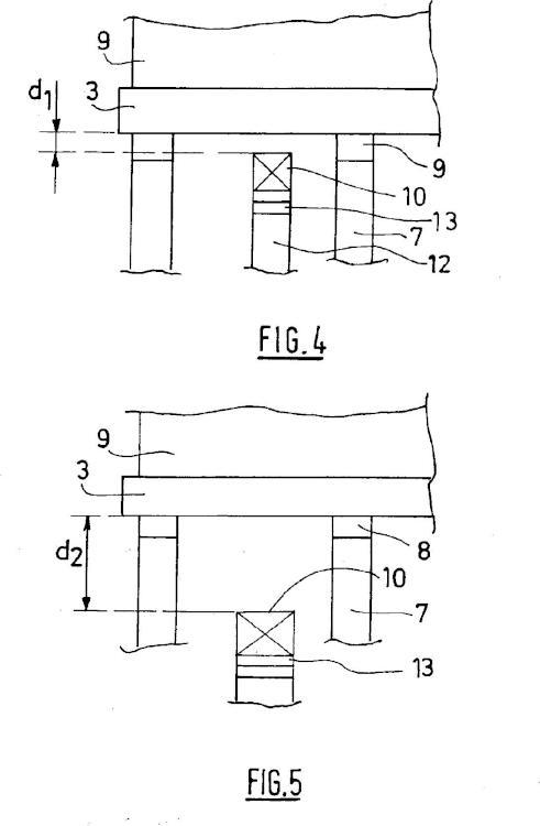 Prensa vibratoria para la producción de elementos de construcción y su procedimiento de producción.