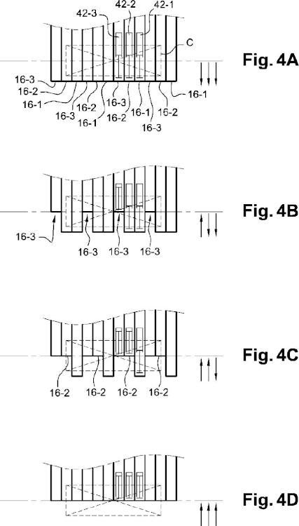 Procedimiento de maniobra de un dispositivo de transferencia de carga de fondo móvil y dispositivo asociado.