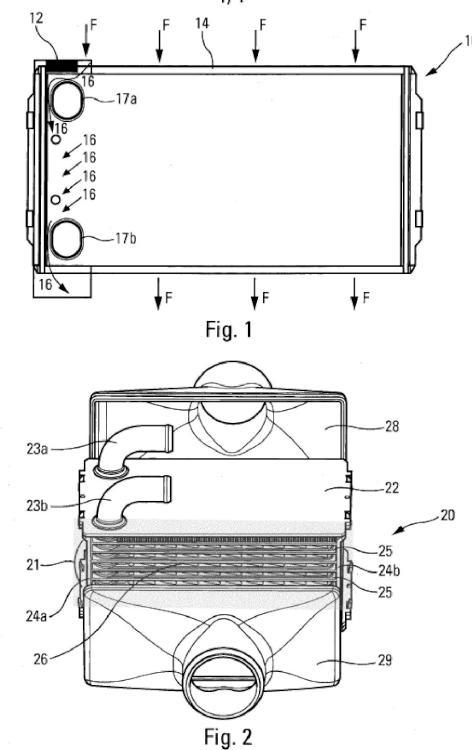 Lámina de intercambiador de calor con zona de contorneo.