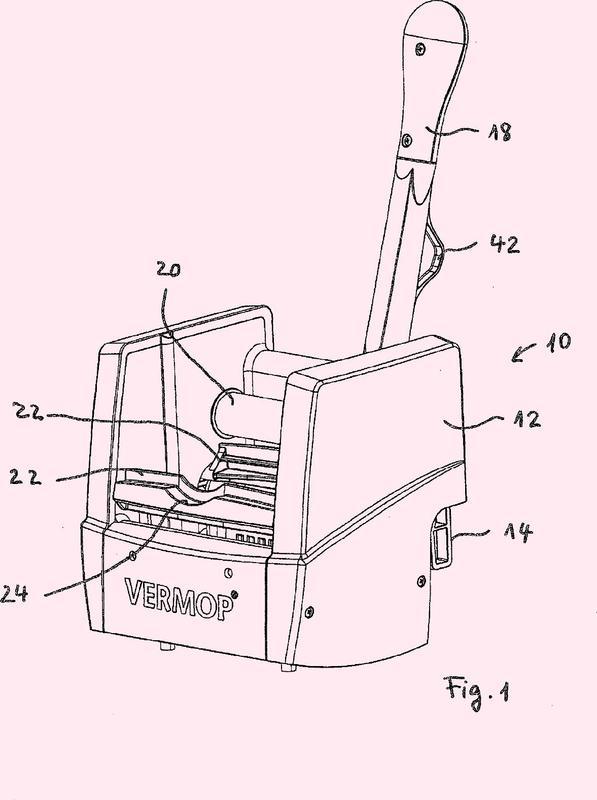Dispositivo para escurrir elementos de limpieza.