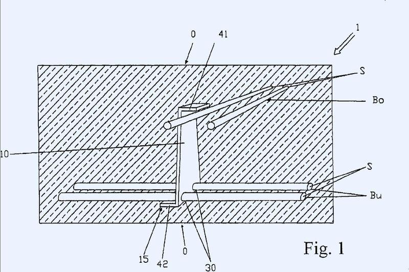 Elemento de hormigón armado con armadura de piezas de chapa con forma de Z.