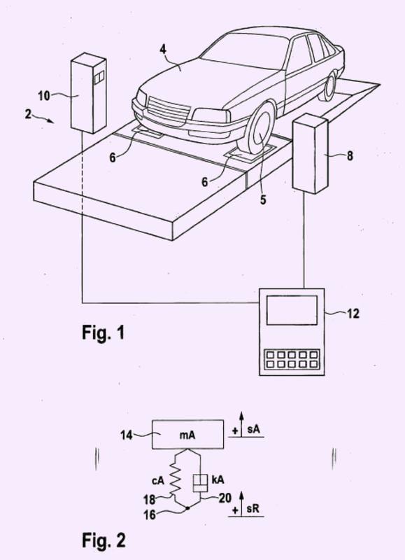 Procedimiento y dispositivo para comprobar un amortiguador de vibraciones incorporado en un vehículo a motor.
