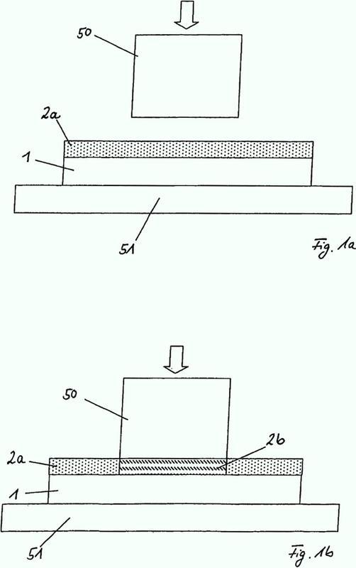 Procedimiento para la fabricación de una capa de cristal líquido reticulada y dispositivo para la implementación del procedimiento.