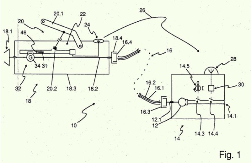 Máquina-herramienta, pieza de mano y unidad de motor de accionamiento con conexión de señales inalámbrica.