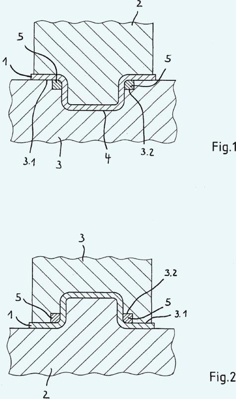 Procedimiento y herramienta de conformado para el conformado en caliente y el endurecimiento por presión de piezas de trabajo de chapa de acero, en particular piezas de trabajo de chapa de acero cincadas.