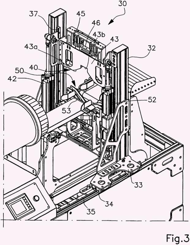 Procedimiento y aparato para empaquetar productos en red tubular.