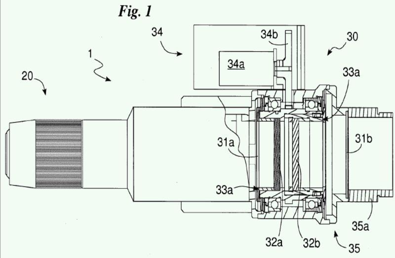 Proceso de soldadura por láser con una unidad de calibración con medios de refracción.