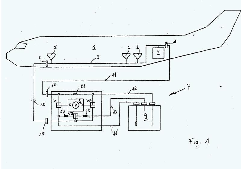 Dispositivo y método para la limpieza de tuberías de aguas residuales de sistemas de inodoros de vacío.