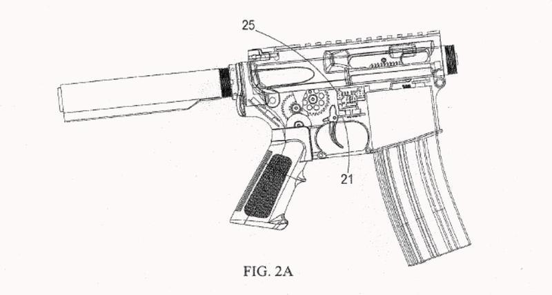 Pistola de juguete con ensamblaje de control de disparo.