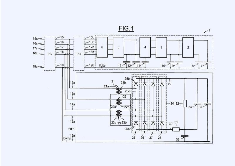 Sistema y procedimiento de compensación de un cargador de batería embarcado en un vehículo.