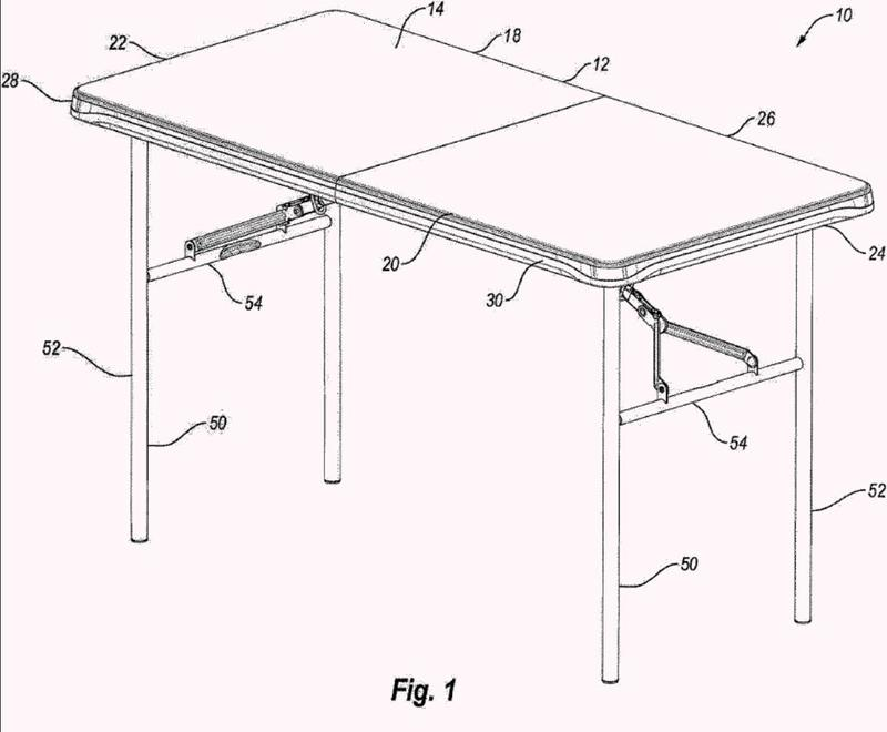 Mesa con tablero de anidación.