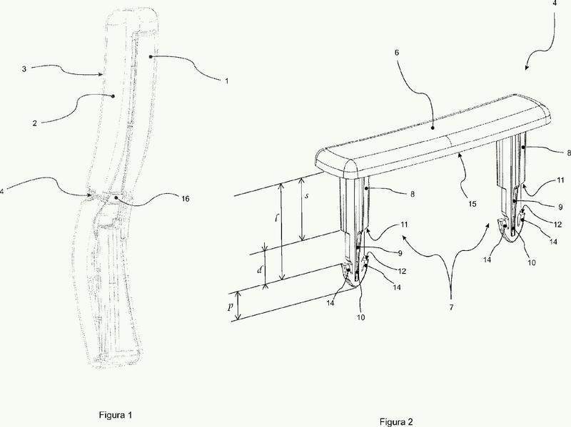 Dispositivo de fijación/placado de un revestimiento exterior contra una capa de espuma fijada a una pared de la estructura de un respaldo de un asiento.