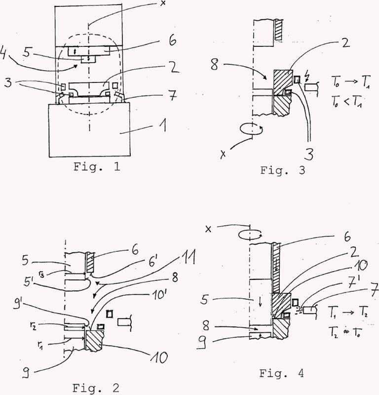 Máquina de templado y procedimiento de templado en útiles de sujeción mediante inducción.