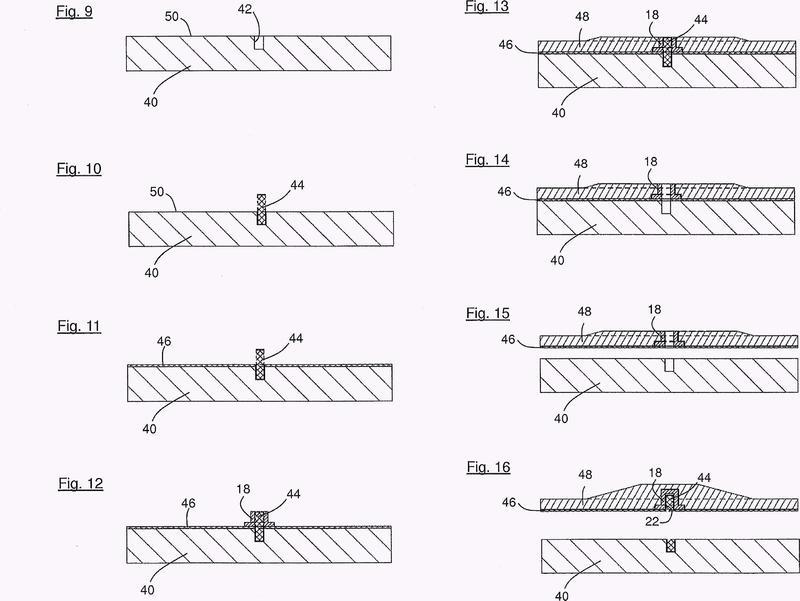 Procedimiento y dispositivo para la producción de un componente de turbina eólica de un material compuesto de fibras.
